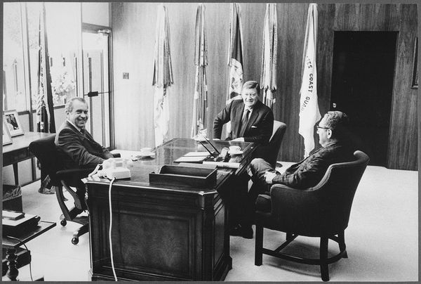 Richard_M__Nixon_and_Henry_Kissinger_meeting_with_Marion__John__Wayne_-_NARA_-_194768_tif