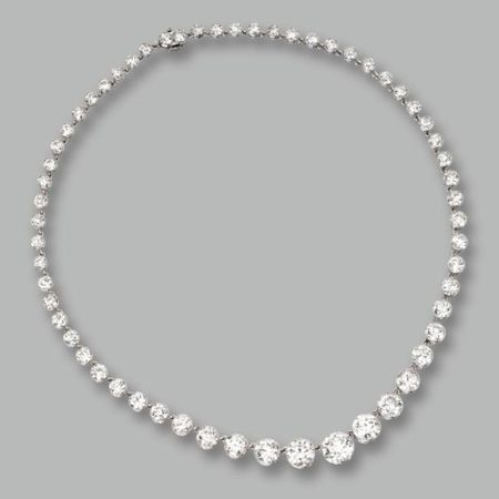 Platinum_and_Diamond_Necklace