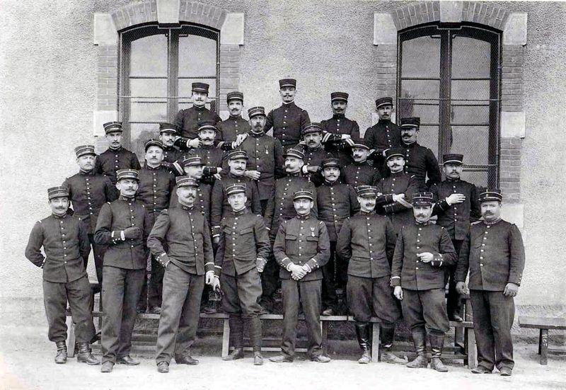 Les adjudants et les sergents-majors