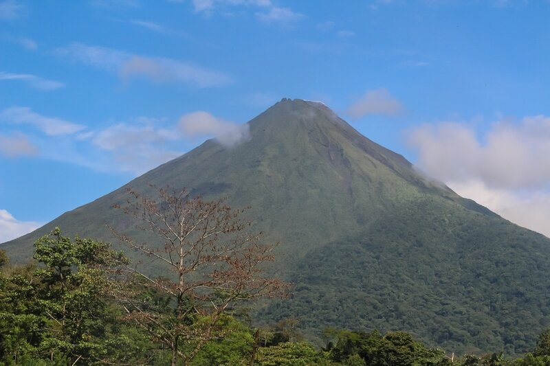 volcan arenal (tôt le matin)
