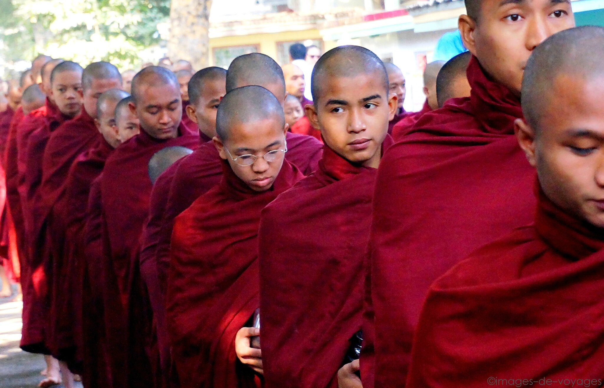 Repas des moines - Mandalay - Myanmar (Birmanie)