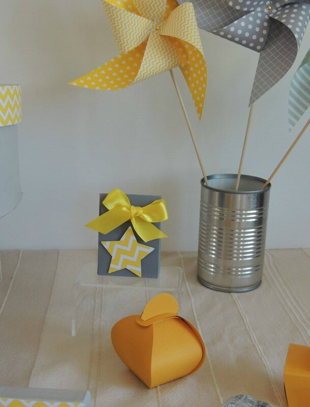 boite dragees gris bapteme theme etoile chevron jaune blanc ruban satin moulin a vent decoration baby shower