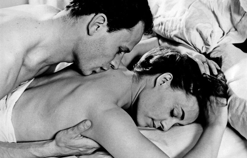 830x532_jean-marc-bory-and-jeanne-moreau-in-a-scene-of-the-film-les-amants-aka-t-he-lover-directed-by-louis