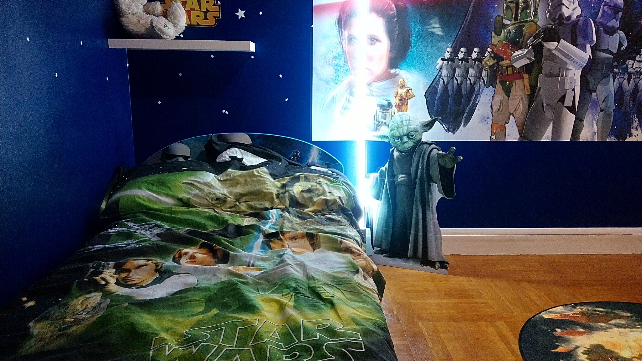chambre star wars d coration chambre d 39 enfant et jouets en bois. Black Bedroom Furniture Sets. Home Design Ideas