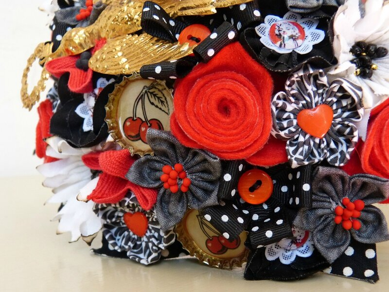 bouquet rockab noir gris rouge or 13jpg
