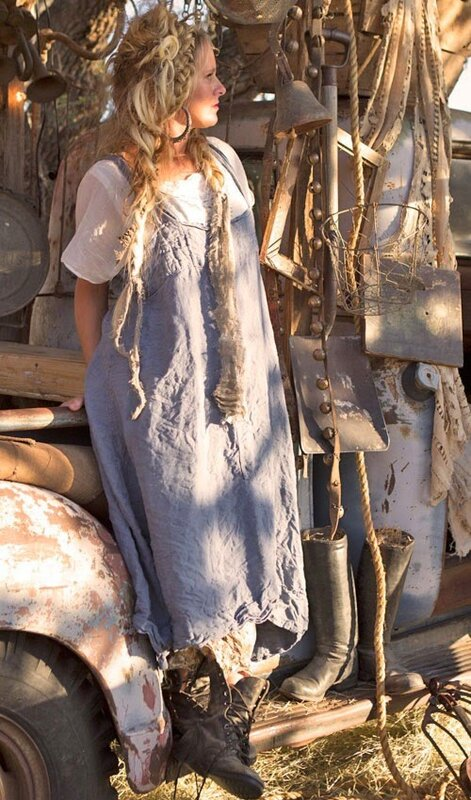 light-weight-linen-jutta-apron-dress-with-front-pocket.jpg