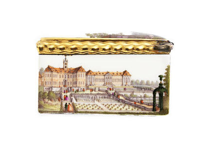 A_magnificent_Meissen_gold_mounted_Royal_snuff_box_made_for_Augustus_III__Elector_of_Saxony_and_King_of_Poland__circa_17556