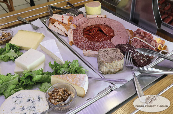 LA_BUFFETERIE_FROMAGES_et_CHARCUTERIES
