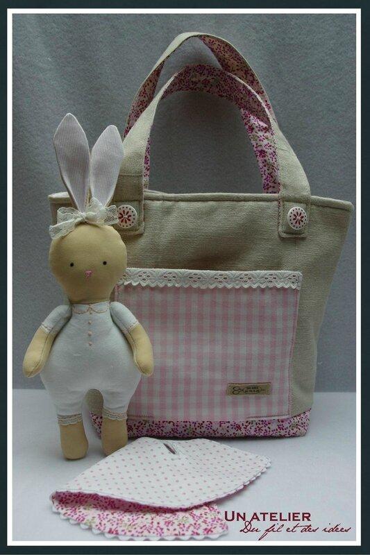 lapin de Pâques et sac