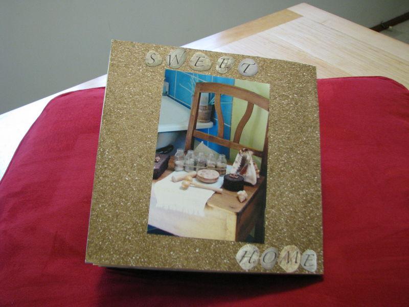 détails salle de bain du haut...dernière page de cet album.