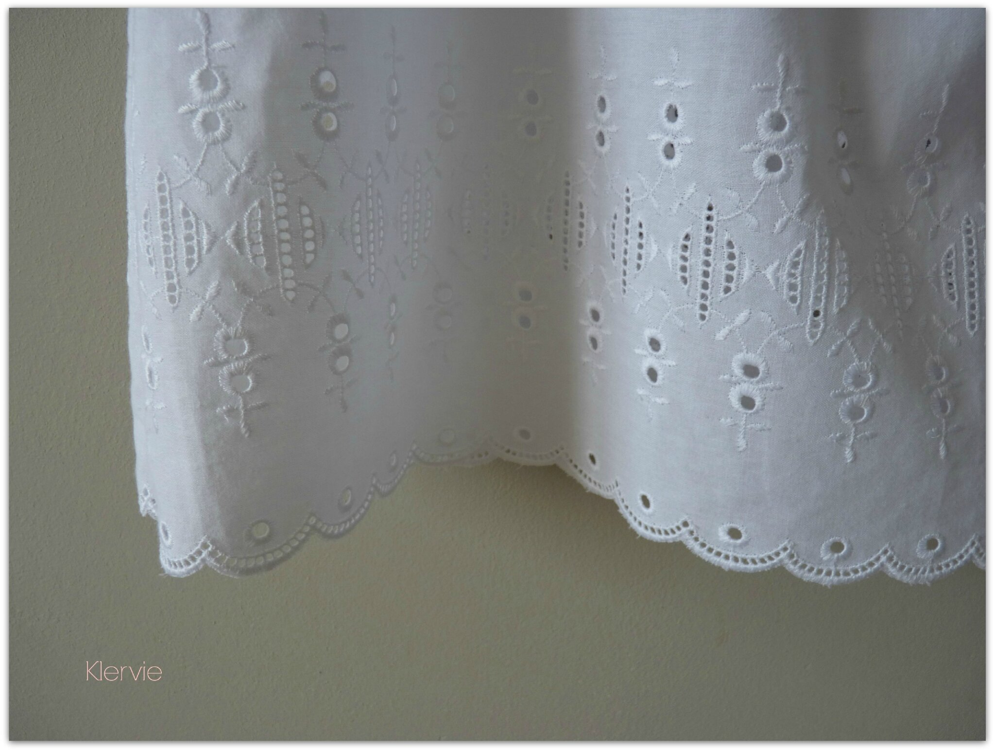 rideaux broderie anglaise