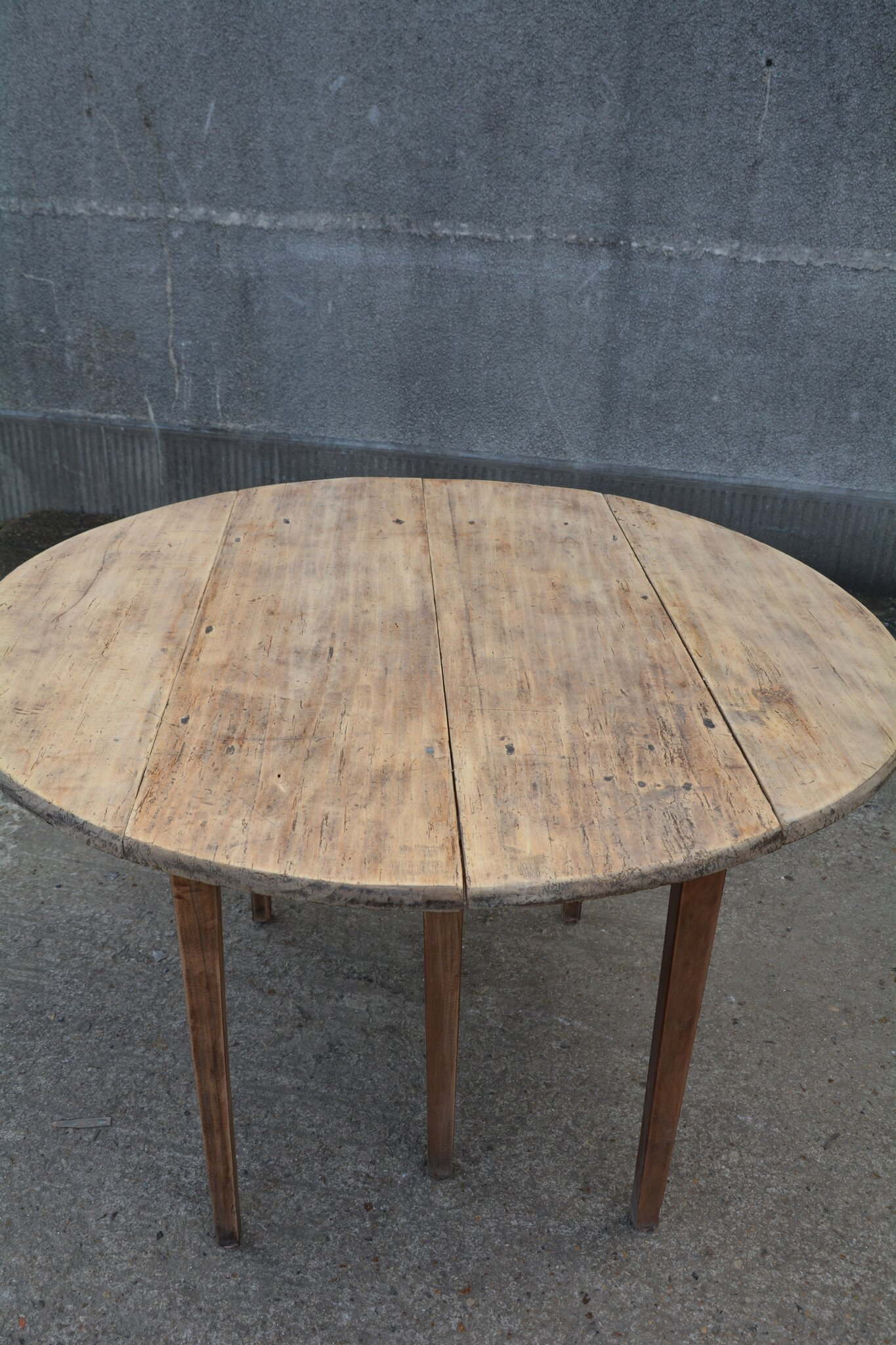 Table ronde en bois naturel la petite brocanteuse - Table ronde modulable ...