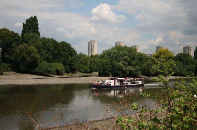 Le bateau venant de Westminster