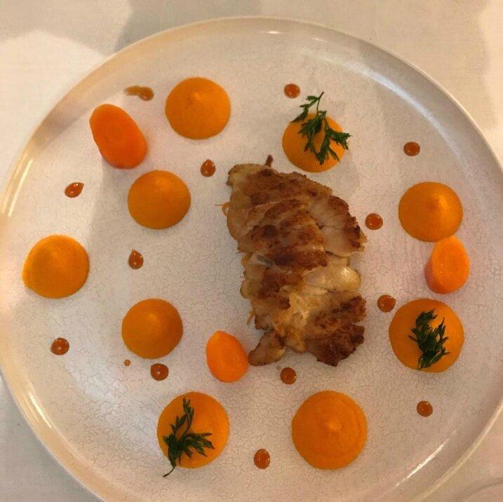 Le ris de veau doré au sautoir, carottes tout azimut, pamplemousse, campari (2)