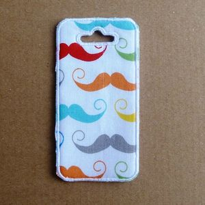 Tag Moustaches