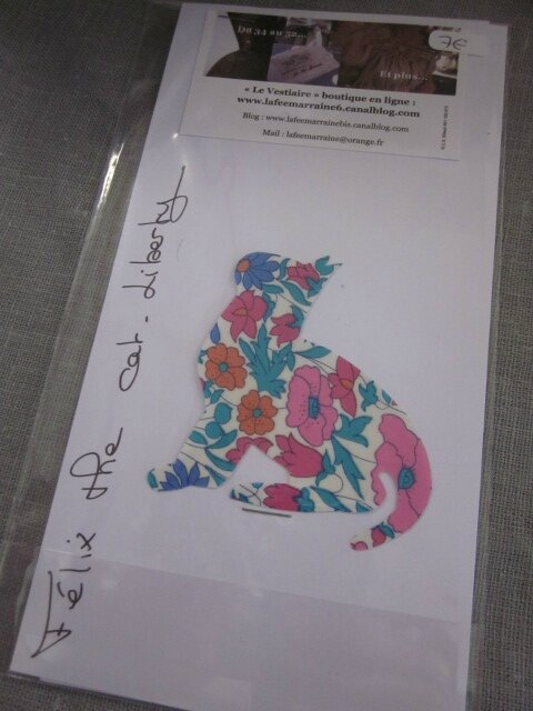 Appliqué thermocollant FELIX THE CAT Liberty fleuri bleu et rose taille S + explications et conseils d'entretien