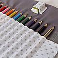 2013 05 Trousse à crayons étoiles grises