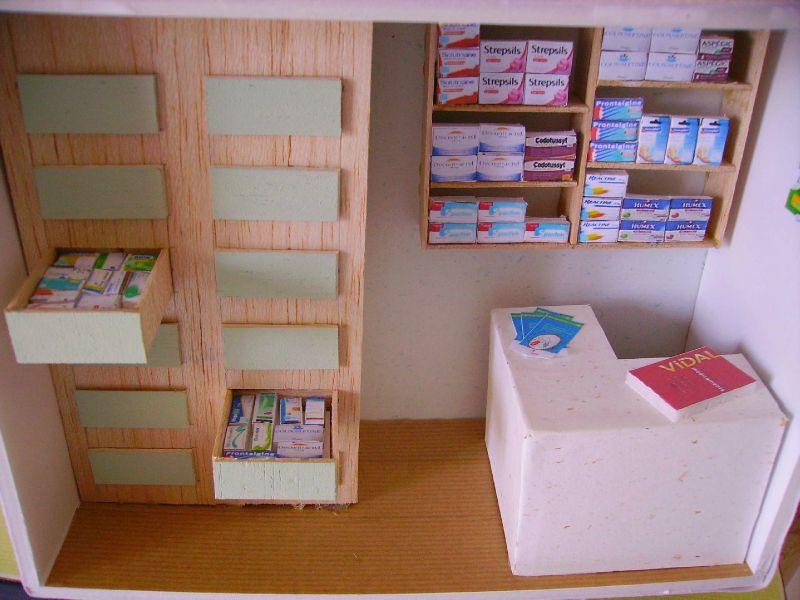 1vitrine pharmacie 13 07 08