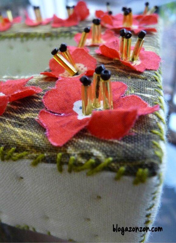 lettre textile O perles brodées