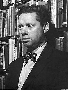 220px_Dylan_Thomas_photo_1_