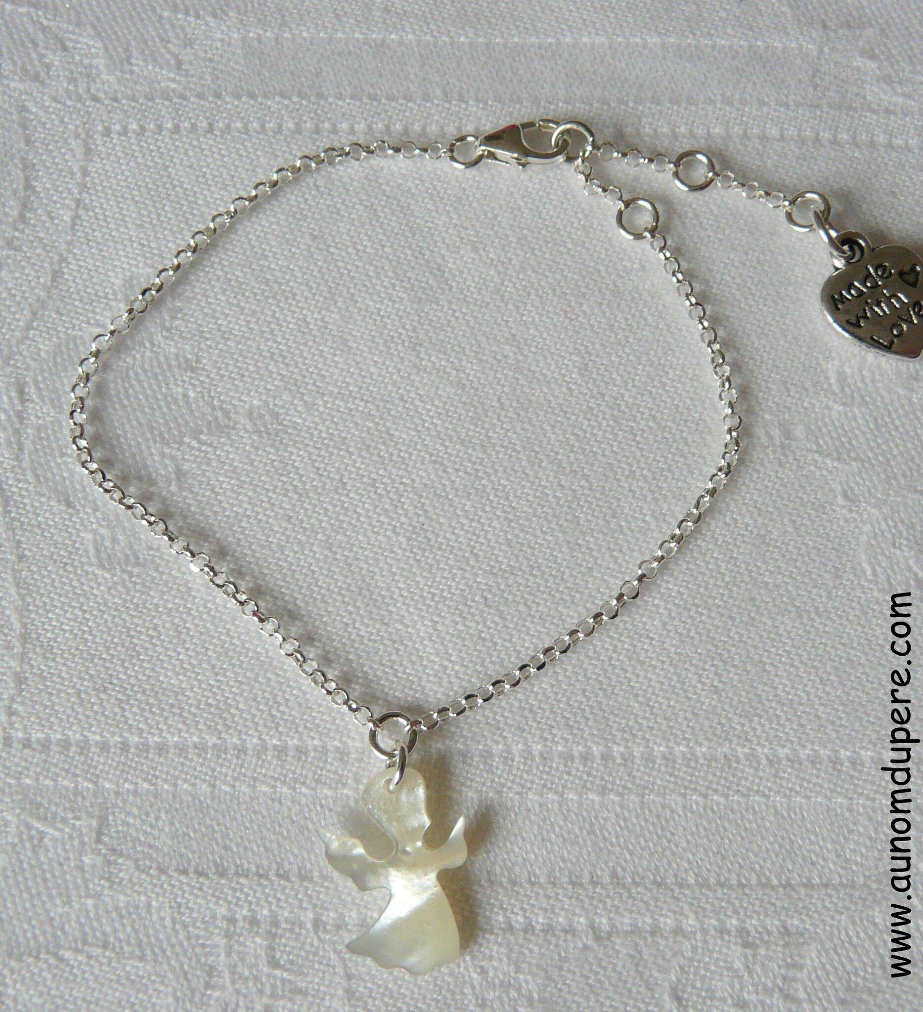 Bracelet pendentif Ange en nacre sur chaîne argent massif fine - 27 €