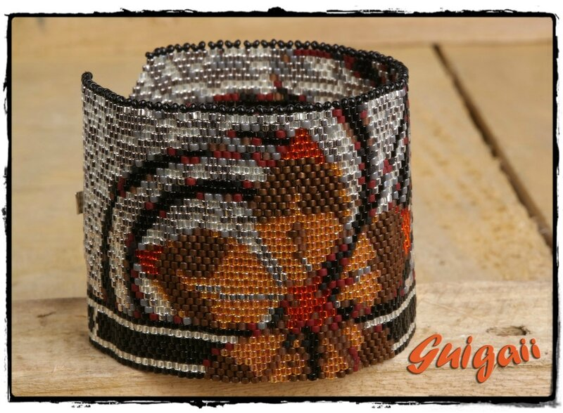 Vector Tweed Cuff (1) -framed