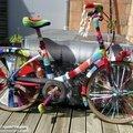 Customisation de velo en yarn bombing ou l' urban knitting bike ep.13 &14, le retour !!