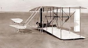 wilbur_wright_on_flying_machine
