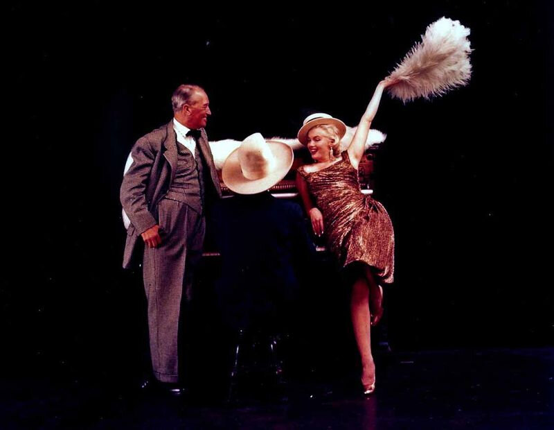 1955-09-30-NY-MCH-Maurice_Chevalier-012-4a