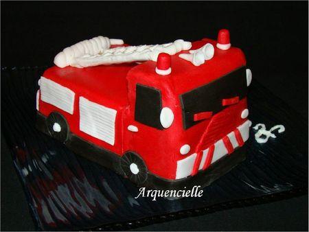 Gâteau camion de pompier côté firecar cake