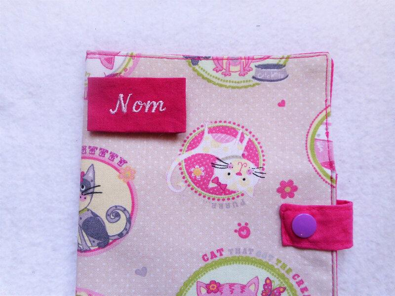 Protège carnet chats rose violet nom