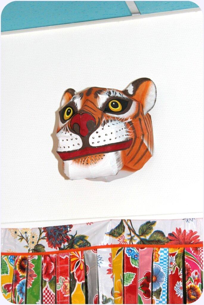 trophée tigre en bambou et soie