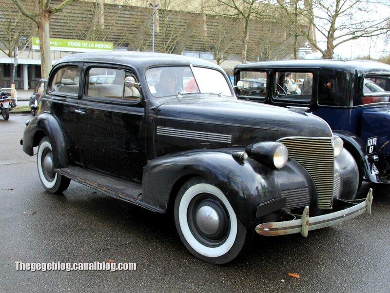 Chevrolet master de luxe town sedan de 1939 (Retrorencard janvier 2014) 01