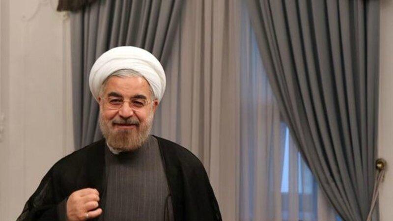 le-nouveau-president-iranien-hassan-rohani-dans-son-bureau-le-5-aout-2013-a-teheran_2533395