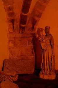 Notre_Dame_abritee_dans_la_crypte