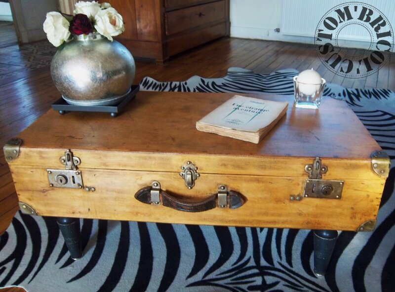 Valise table