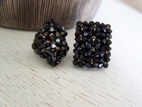 Bagues noires 12 et 7 fleurs