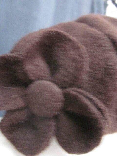 Chapeau AGATHE en laien bouillie chocolat avec fleur - Doublure de coton rose pâle à pois chocolat - Taille 58 (3)