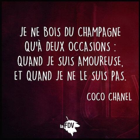 boire du champagne