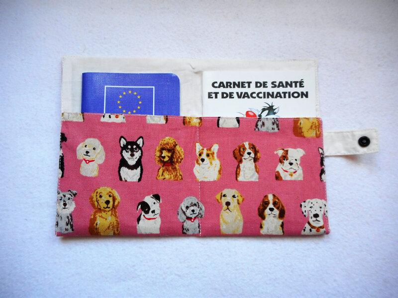 Protège carnet chiens rose doublure