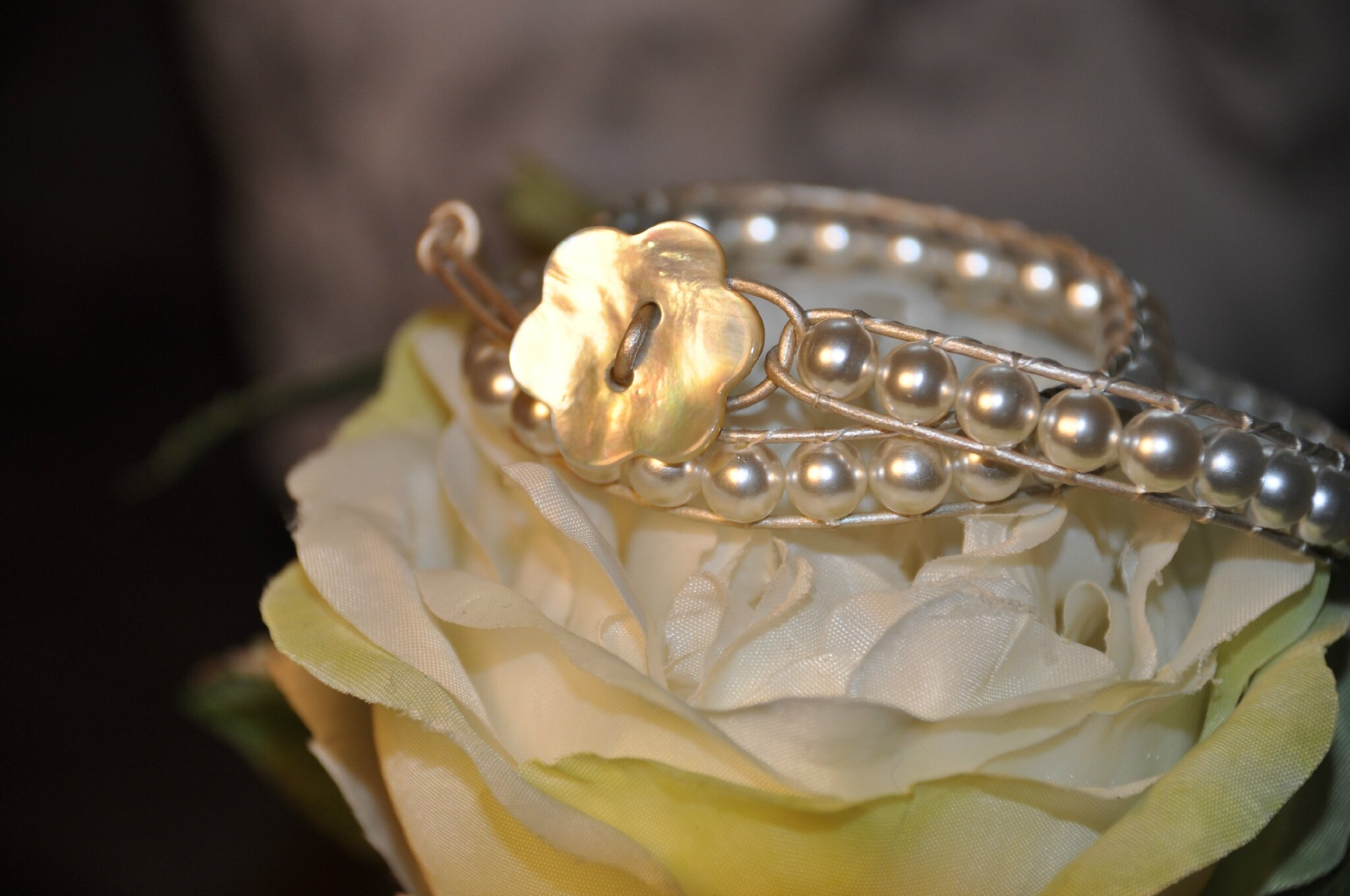 Bracelet wrap style chan luu blanc nacré
