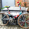 Customisation de velo en yarn bombing ou l' urban knitting bike ep.08