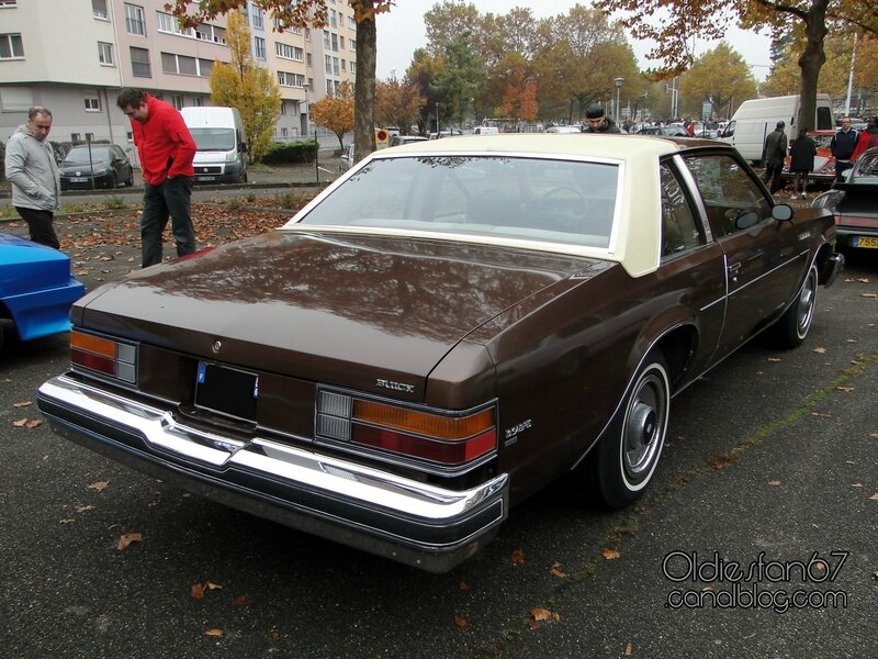buick-lesabre-custom-coupe-1977-02