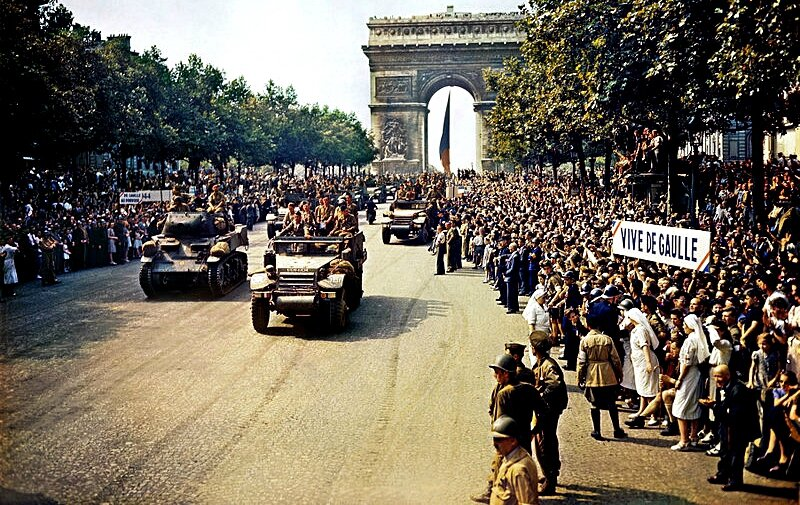 1944-aout-Champs Elysees-Paris