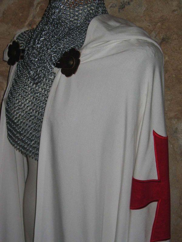 CORTEGANA__Costume_et_armure