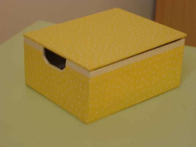 Boîte à coton-tige (2005)