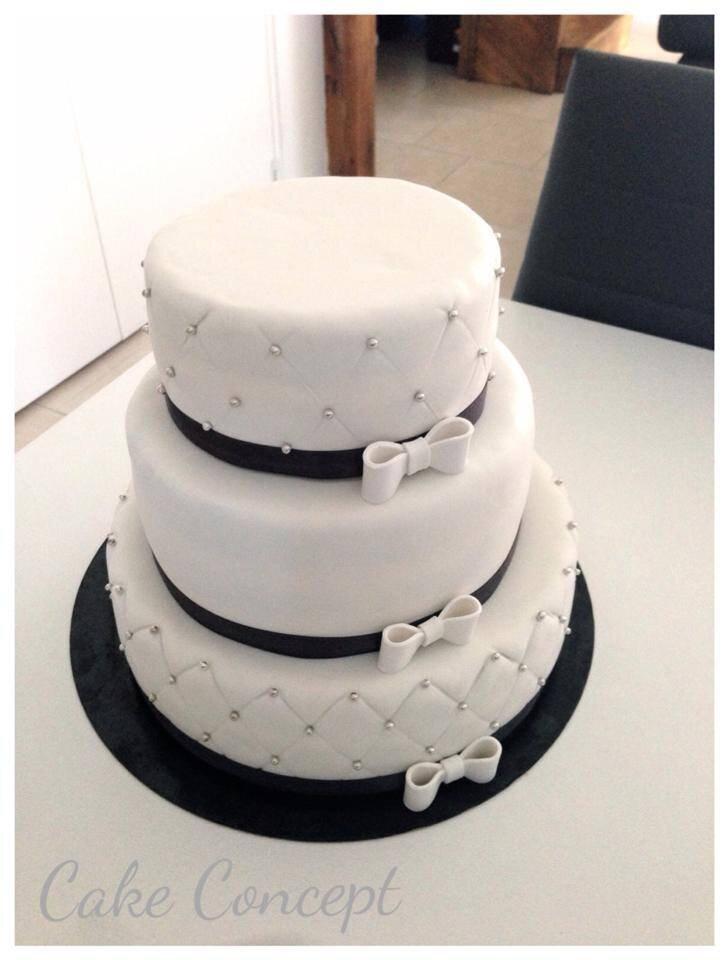 Realisation D Un Wedding Cake Simple Et Chic Cake Concept