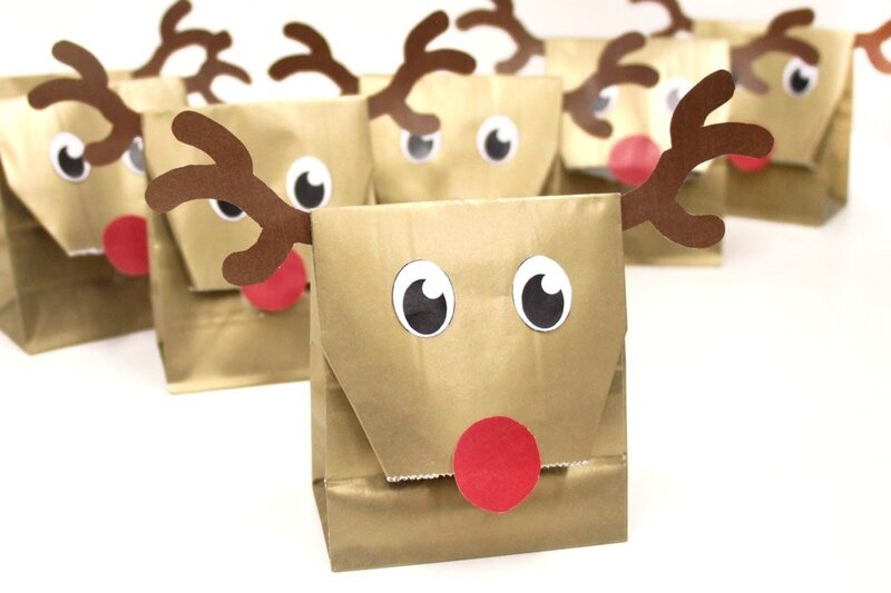 DIY-Reindeer-Party-Bags-1050x700