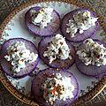 Toasts de radis bleu au chèvre