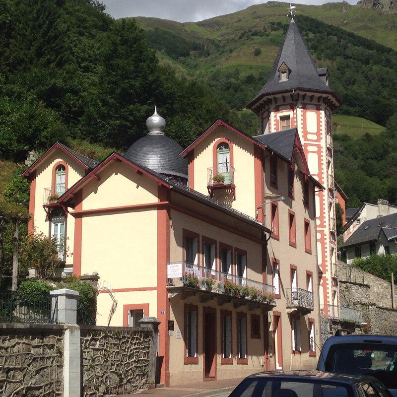 Villa Galitzine à Cauterets et son toit à bulbe